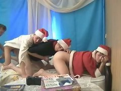 Have you ever seen a hot threesome of santa gays in action? Enjoy the view.